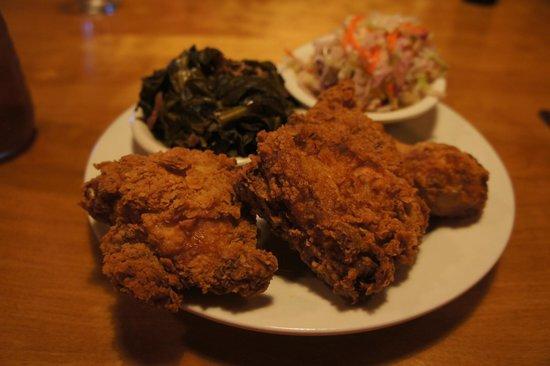 Annie O's Kitchen: fried chicken, collards and slaw