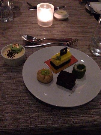 Sofitel Abu Dhabi Corniche: delicious sweets for dinner