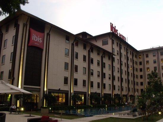 ibis Bangkok Riverside : Foto do prédio principal