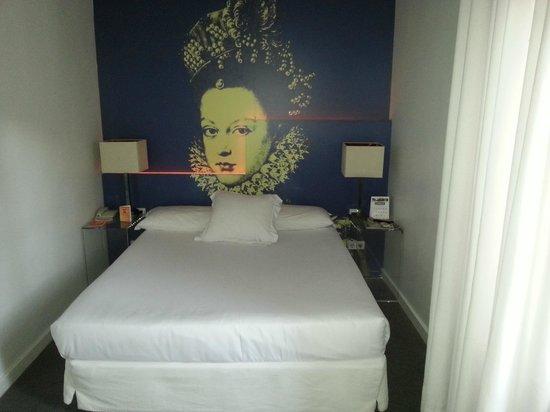 Room Mate Laura: Zimmer 307
