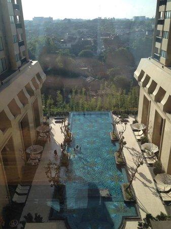 Hotel Tentrem Yogyakarta : Pool View
