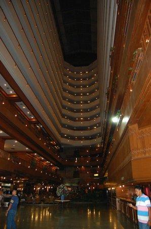 Lotus Hotel Pang Suan Kaew : les étages