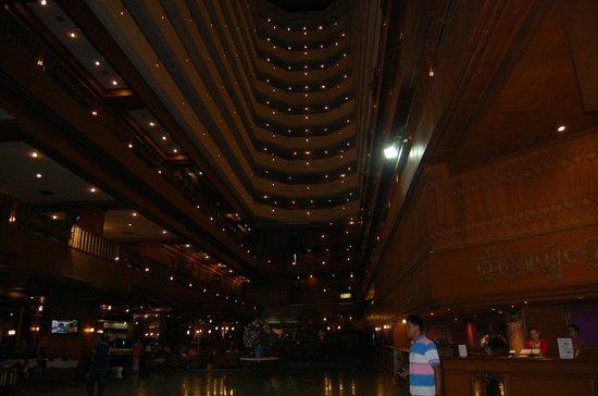 Lotus Hotel Pang Suan Kaew : hall