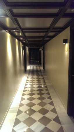 Vincci Albayzin: Hallway