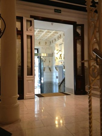 Petit Palace Lealtad Plaza: entrée