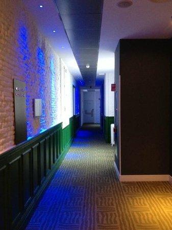 Petit Palace Lealtad Plaza: couloir