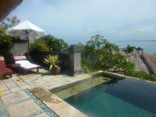 Four Seasons Resort Bali at Jimbaran Bay : вилла