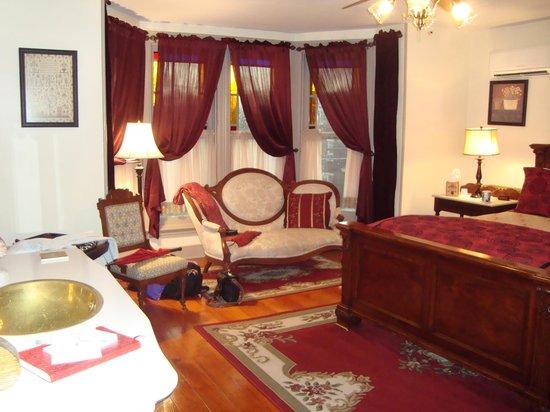 Brickhouse Inn Bed & Breakfast: Our room
