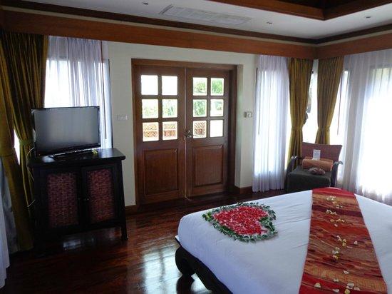 Q Signature Samui Beach Resort : bedroom in pool villa