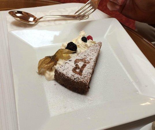 Bristol Hotel Salzburg: Bristol Cake - Chocolate Nut Torte