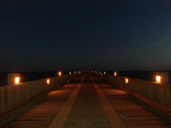 Holiday Inn Resort Pensacola Beach : Pier a noite