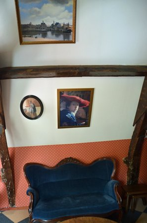 Hotel de Emauspoort: The Woman in the Red Hat