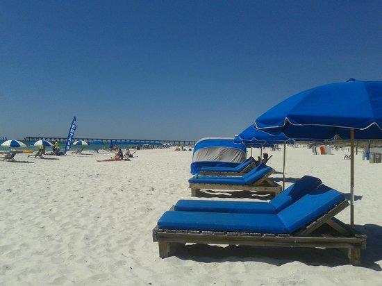 Holiday Inn Resort Pensacola Beach: Serviço de Praia