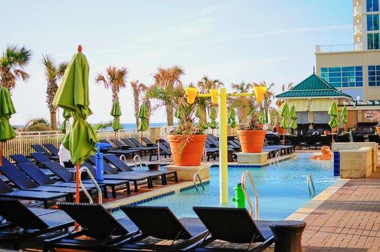 Pool - Picture of Oceanaire Resort Hotel, Virginia Beach