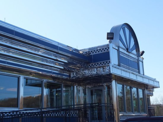 Blue Colony Diner: This is the place bright and clean