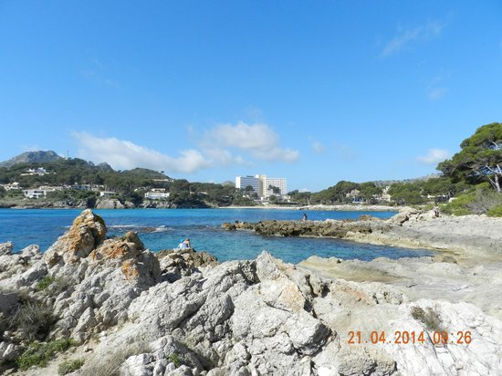 Roc Carolina : l hotel vue des rochers d en face