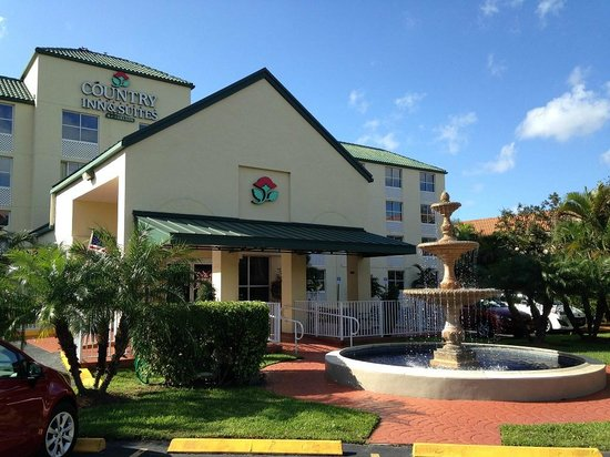 Country Inn & Suites By Carlson, Miami (Kendall) : Entrada do hotel