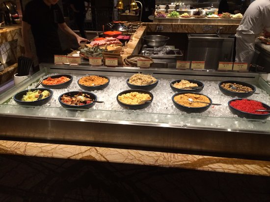 Chateau de Chine Hotel Taoyuan: Breakfast bar