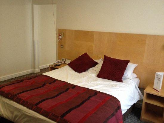 Strand Palace Hotel : Bedroom