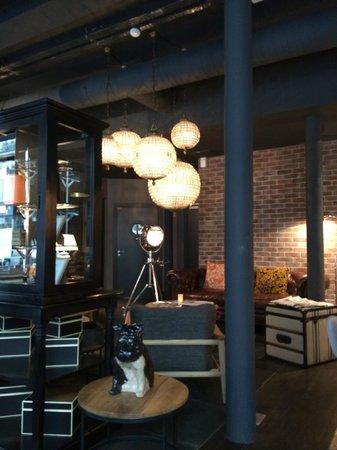 Hotel Fabric : Lobby