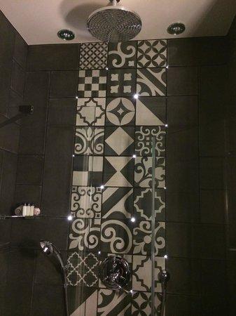 Hotel Fabric: Beautifully lit shower