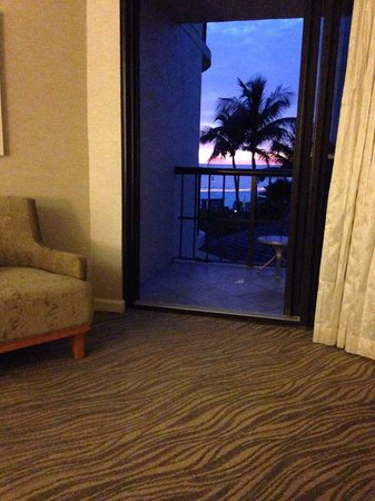 Hilton Marco Island Beach Resort: View from the couch room 313