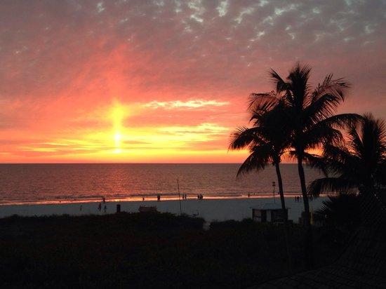 Hilton Marco Island Beach Resort: View from balcony room 313