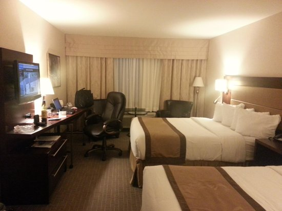 Quality Inn & Suites Val d'Or : Great workspace