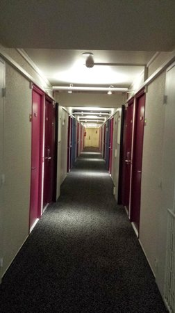 Ibis Styles Paris Bercy: Couloir