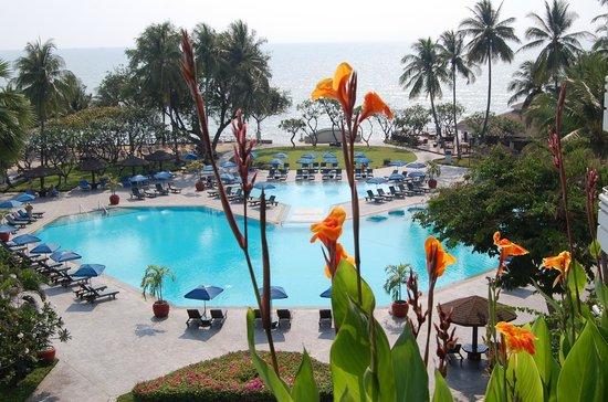 The Regent Cha Am Beach Resort : piscine