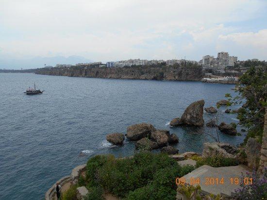 Blue Sea Garden: вид с парка