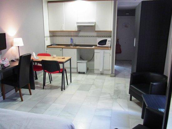 Apartamentos Principe 11: ダブルベッドのスタジオです
