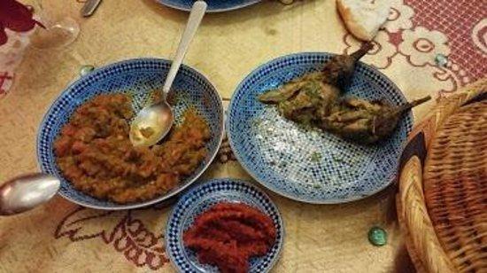 RIAD EL WIAM: Les entrées marocaines avec un peu d'harissa