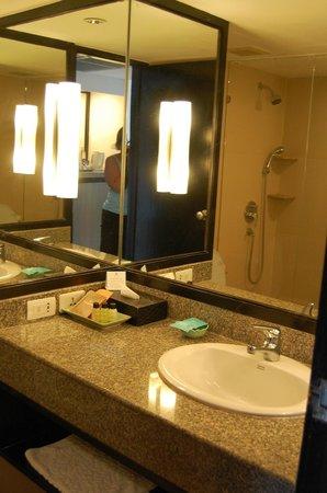 The Regent Cha Am Beach Resort : salle de bain