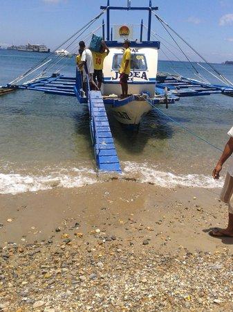 Friday's Boracay: Transfer boat