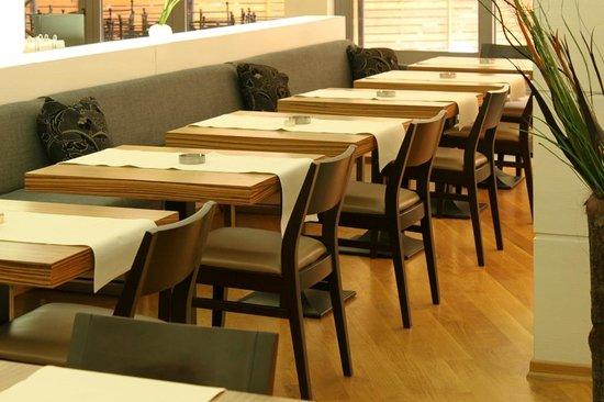 Bar & Dinner W Burgas
