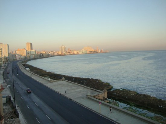 Casa Malecón Habana: View of the Malecon