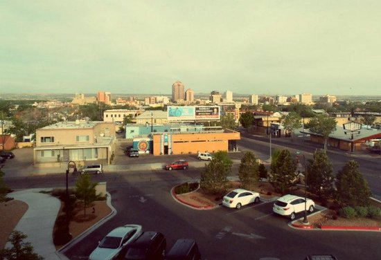 Hotel Parq Central: View of downtown Albuquerque in the morning.