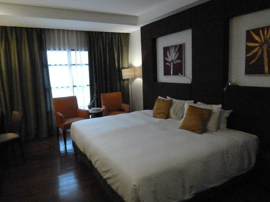 The Cocoon Boutique Hotel : Bedroom with huge bed