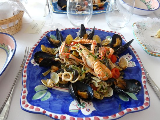 Donna Rosa il Ristorante: Black and White seafood pasta