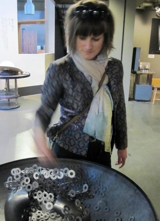 The Exploratorium : Magnetic sculpture building