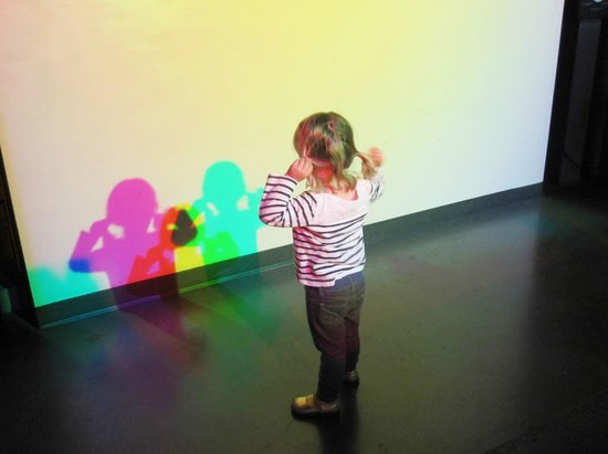 The Exploratorium : Checking out the light wall