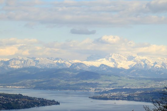 Uetliberg Mountain : The Alps