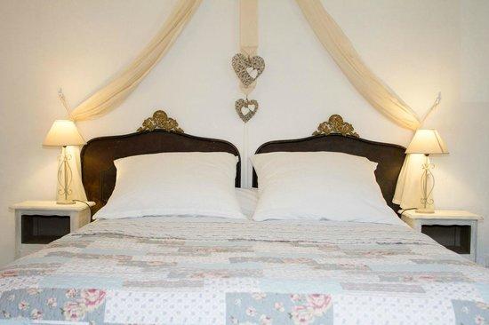 "Villa Velleron : Family suite ""Naturelle"" - master bedroom"