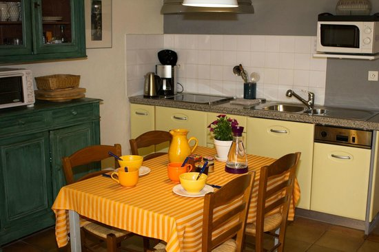 "Villa Velleron : Apartment ""Studio"" - fully equipped kitchen"