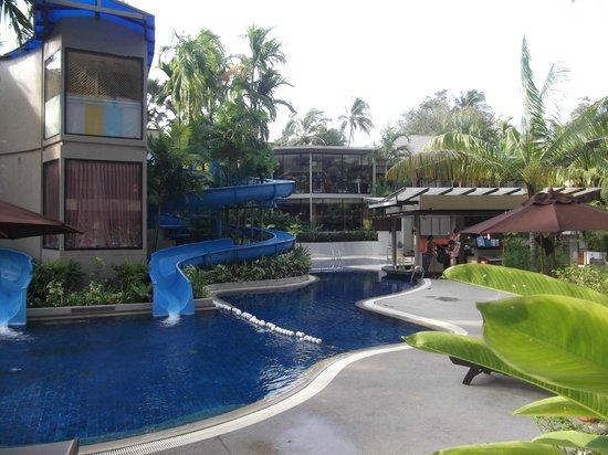 Novotel Phuket Surin Beach Resort.: Water slides