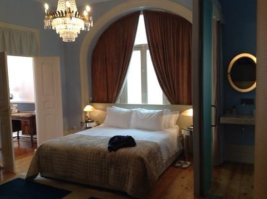 Palacete Chafariz D'El Rei: cama suite amaya