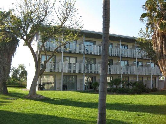 PortAventura Hotel Caribe: Un des immeubles de l'hôtel