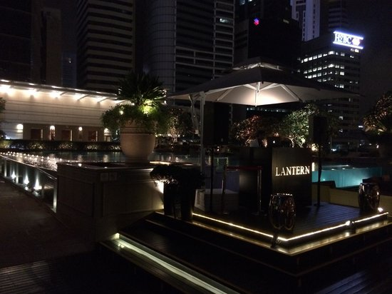 Lantern Rooftop Bar: Rooftop bar with great DJ