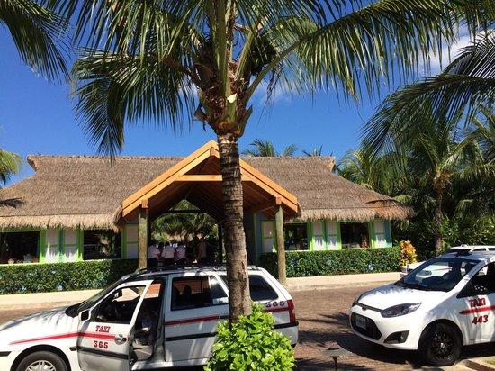 Paradise Beach: entrance
